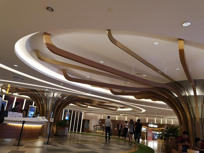 广州东塔k11大榕树造型